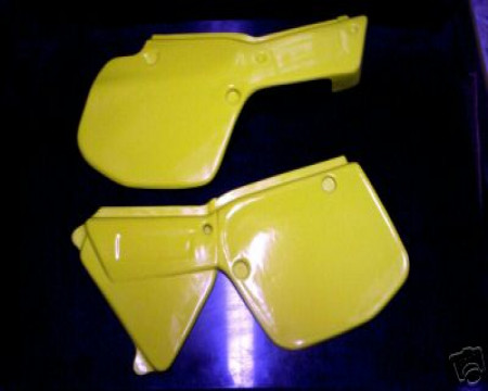 PLAQUES LATERALES YAMAHA YZ 125 1984/1985